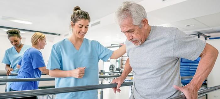 فیزیوتراپی در سالمندان چگونه است و عوامل مؤثر بر قیمت این روش درمانی کدام است؟