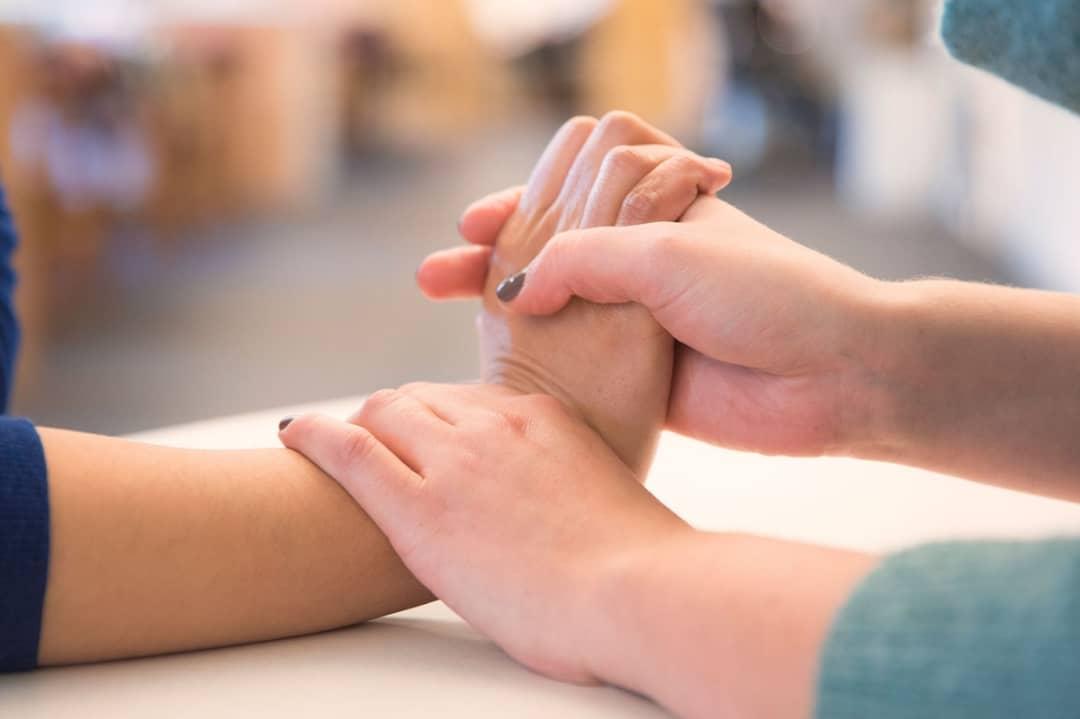 فیزیوتراپیست دست باید چه اطلاعاتی در مورد انسان داشته باشد؟