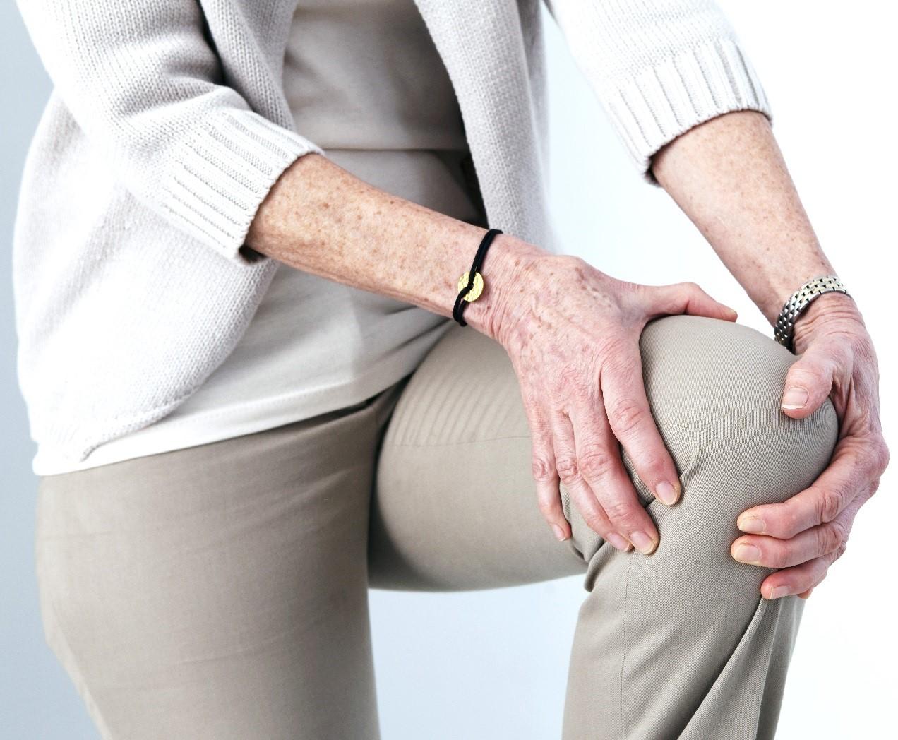 برای درد زانو منوال تراپی توصیه می شود یا ماساژ درمانی؟
