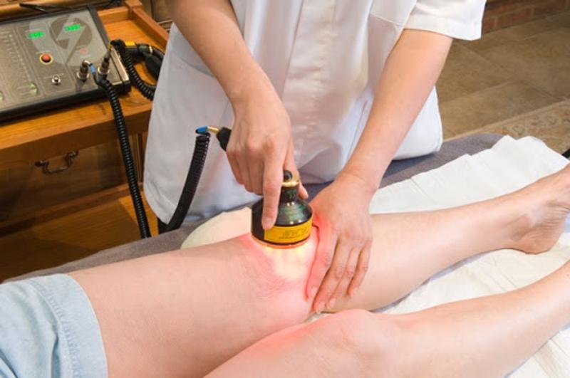 آیا بیمار در حین درمان به وسیله لیزر پرتوان دردی را احساس می کند؟