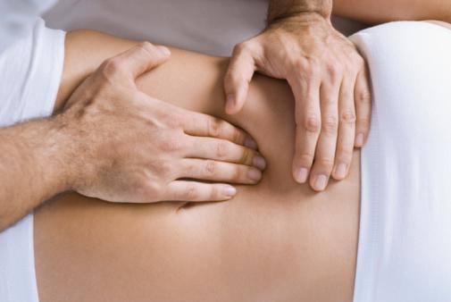 فرایند درمان کمر درد به وسیله منوال تراپی به چه صورت است؟