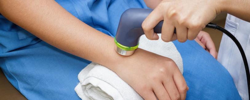 از اثرات لیزر درمانی بر نواحی آسیب دیده می توان به موارد زیر اشاره نمود: