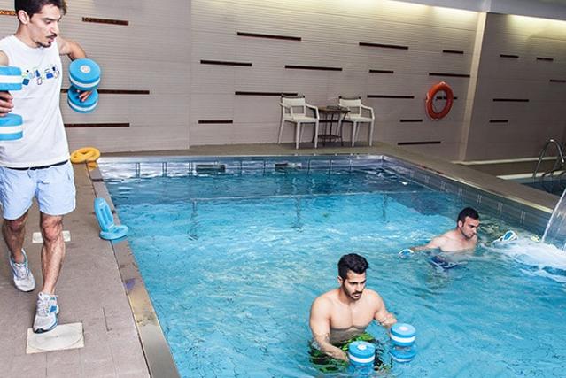 آب درمانی و ورزش: