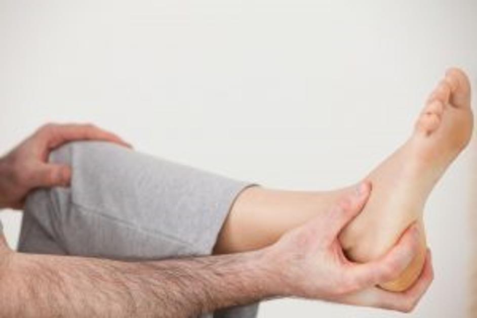 مزیت های انجام روش درمان الکتروتراپی خار پاشنه شامل چه مواردی می شود؟
