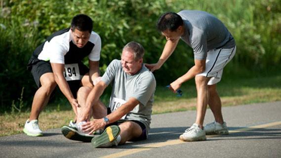 در واقع هدف از درمان آسیب ورزشی به کمک فیزیوتراپیست می تواند موارد ذیل باشد:
