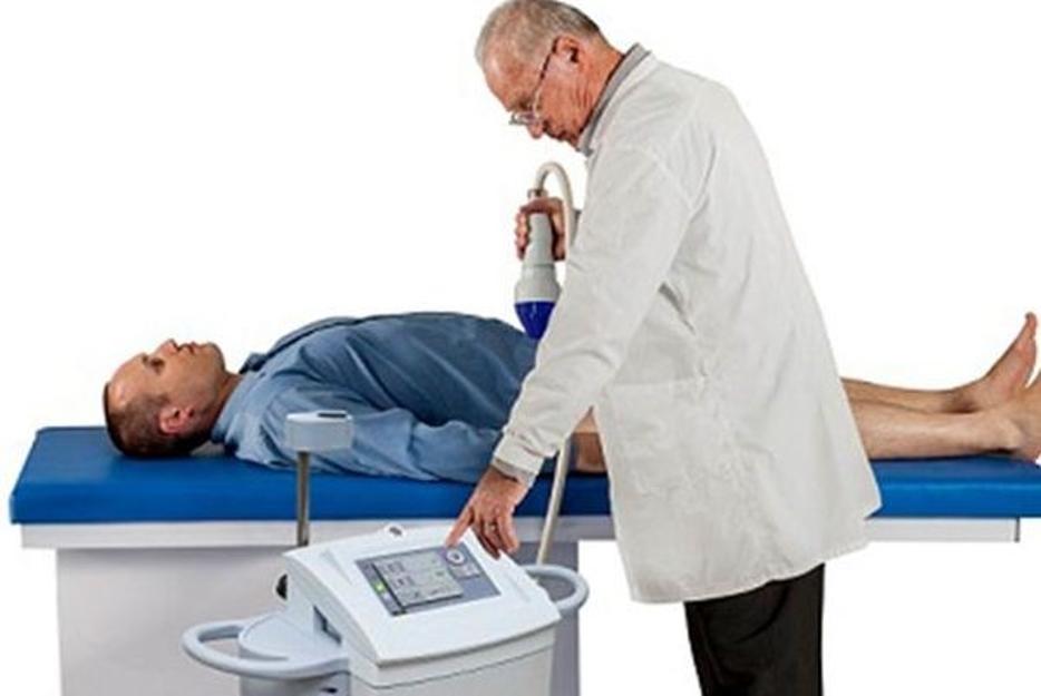 - متد درمانی شاک ویو به چه صورت توسط پزشکان انجام می گردد؟