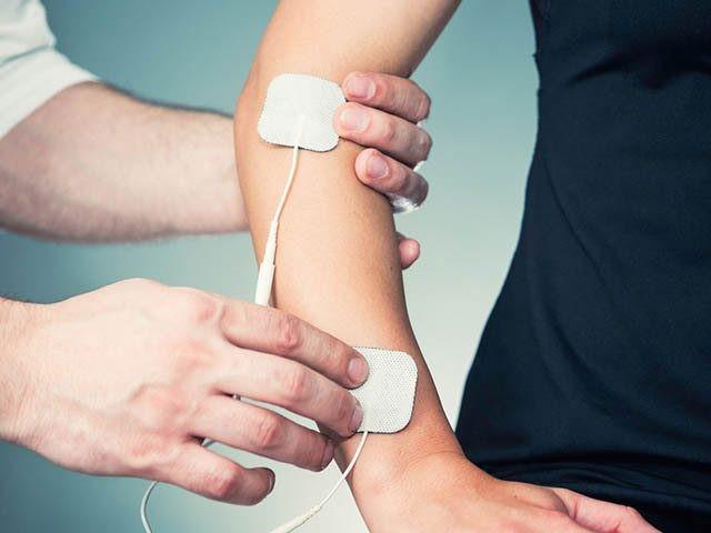 آیا می دانید هنگامی که به مچ دست آسیب وارد می شود،چه علائمی به وجود می آید؟