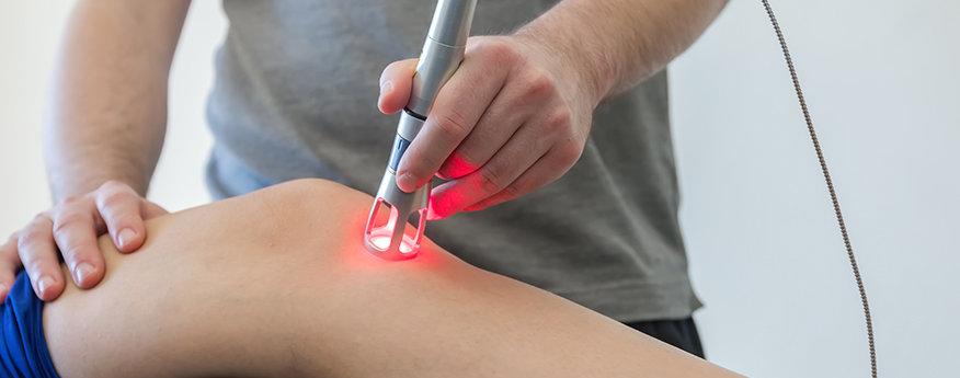 از چه روش های درمانی برای درمان تاندونیت زانو استفاده می شود؟