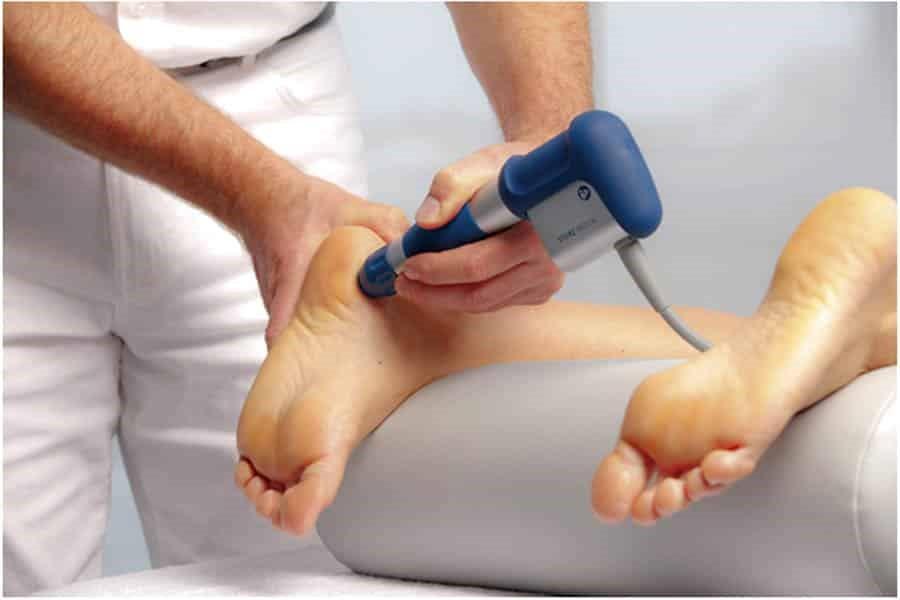 ماساژ درمانی و فیزیوتراپی کف پا