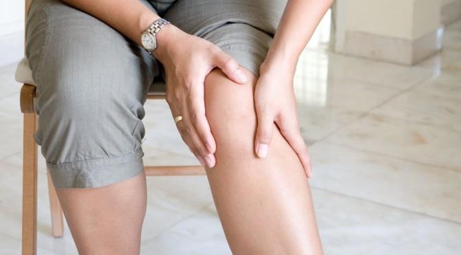 مشکلات و بیماری هایی که با وجود آن ها فرد منجر به جراحی تعویض مفصل زانو می شود :